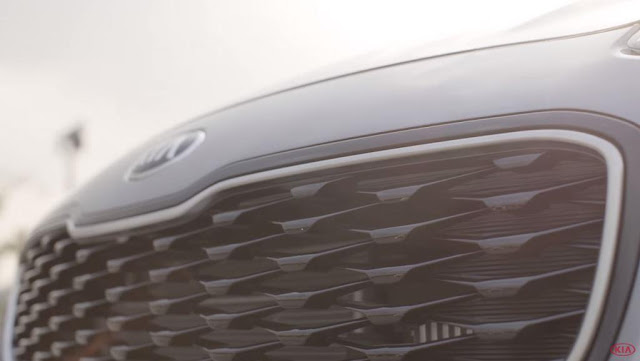 Foto KIA Sportage 2016 calandra anteriore naso tigre griglia