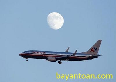 Vì sao vé máy bay vẫn chưa giảm giá theo giá dầu?