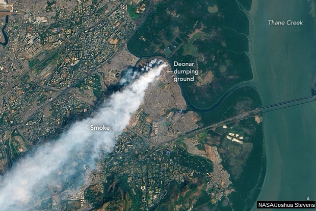 Daily Dose of Air Pollution: Trash Burning in Mumbai - A ... on city of mumbai, food of mumbai, satellite view of mumbai, satellite map bangalore, satellite map pune, satellite map india, satellite imagery of mumbai, outline map of mumbai, satellite map los angeles, road map of mumbai, political map of mumbai, satellite weather, world map of mumbai,