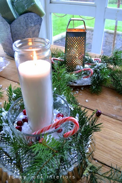 Christmas centrepieces out of old bakeware on FunkyJunkInteriors.net