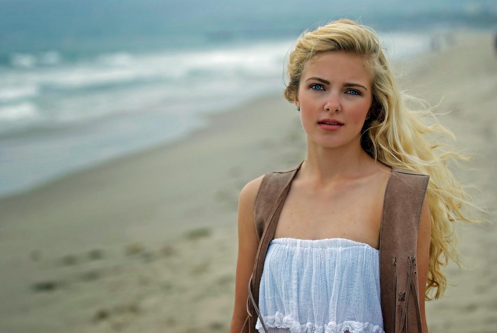 Elpromotions LA Model Emma