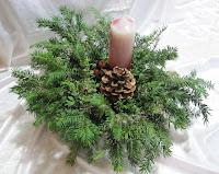 kleines fadenallerlei: weihnachtliche gestecke