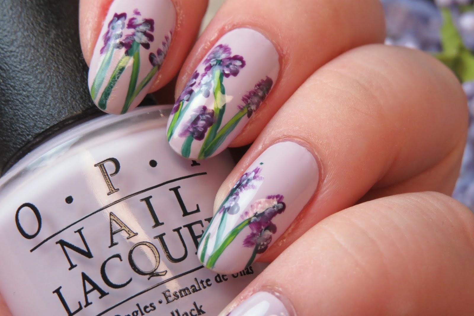 Mani Monday: Delicate Floral | Kaitlyn Elisabeth Beauty