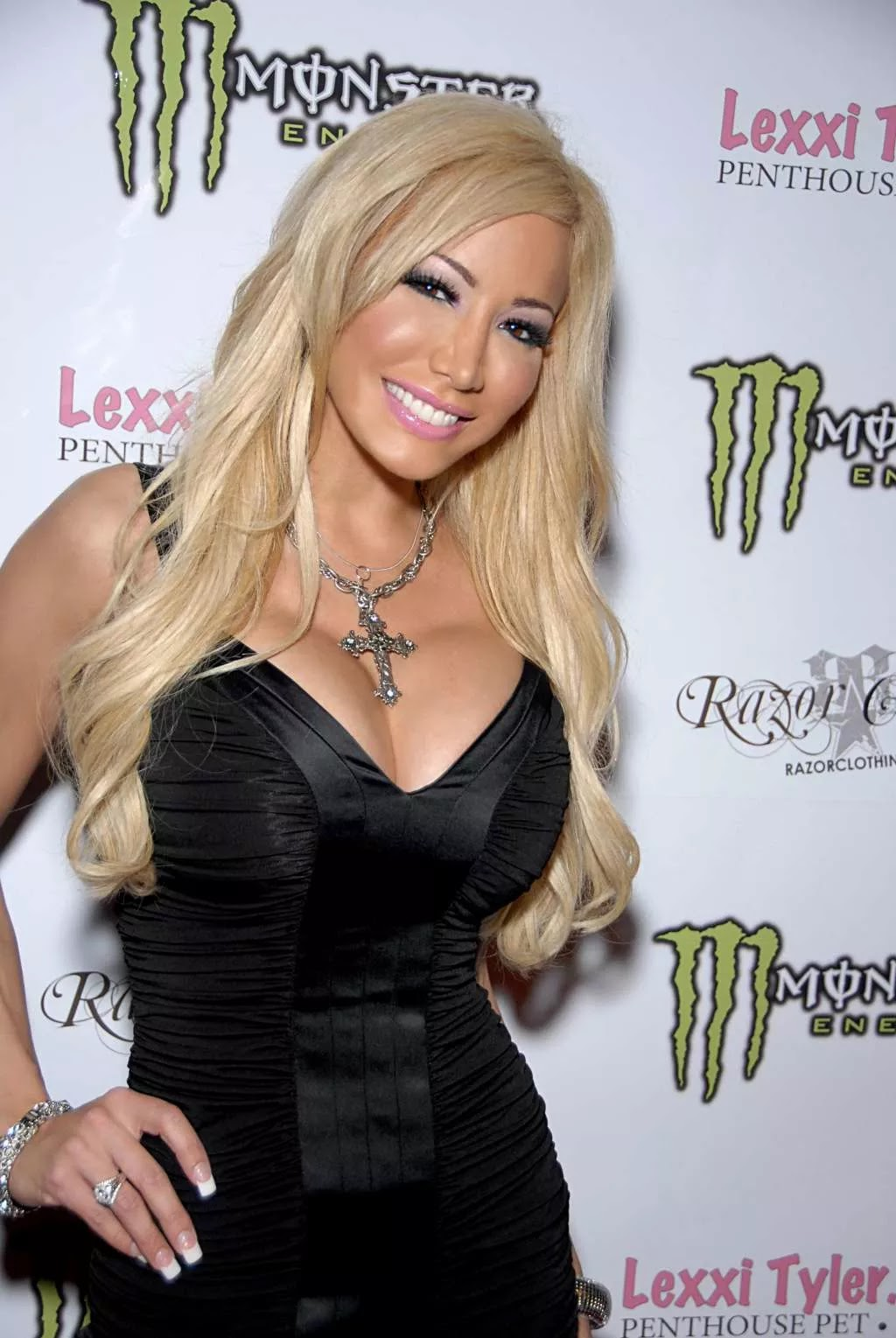 Cheats: Best Blonde Porn Stars