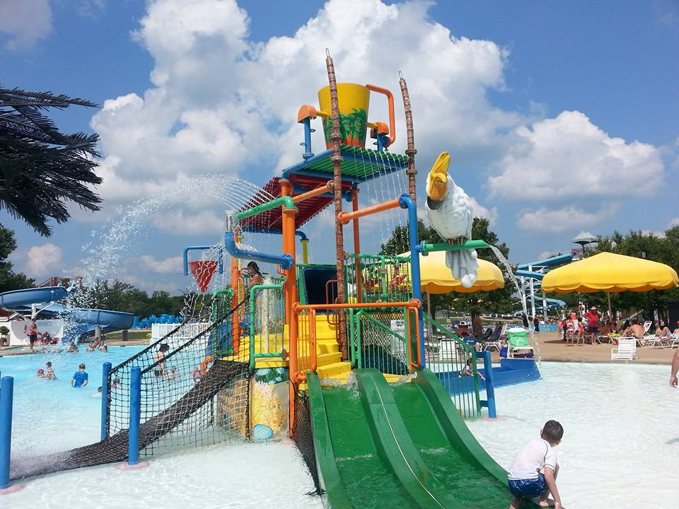 Play St Louis Chesterfield Family Aquatic Center