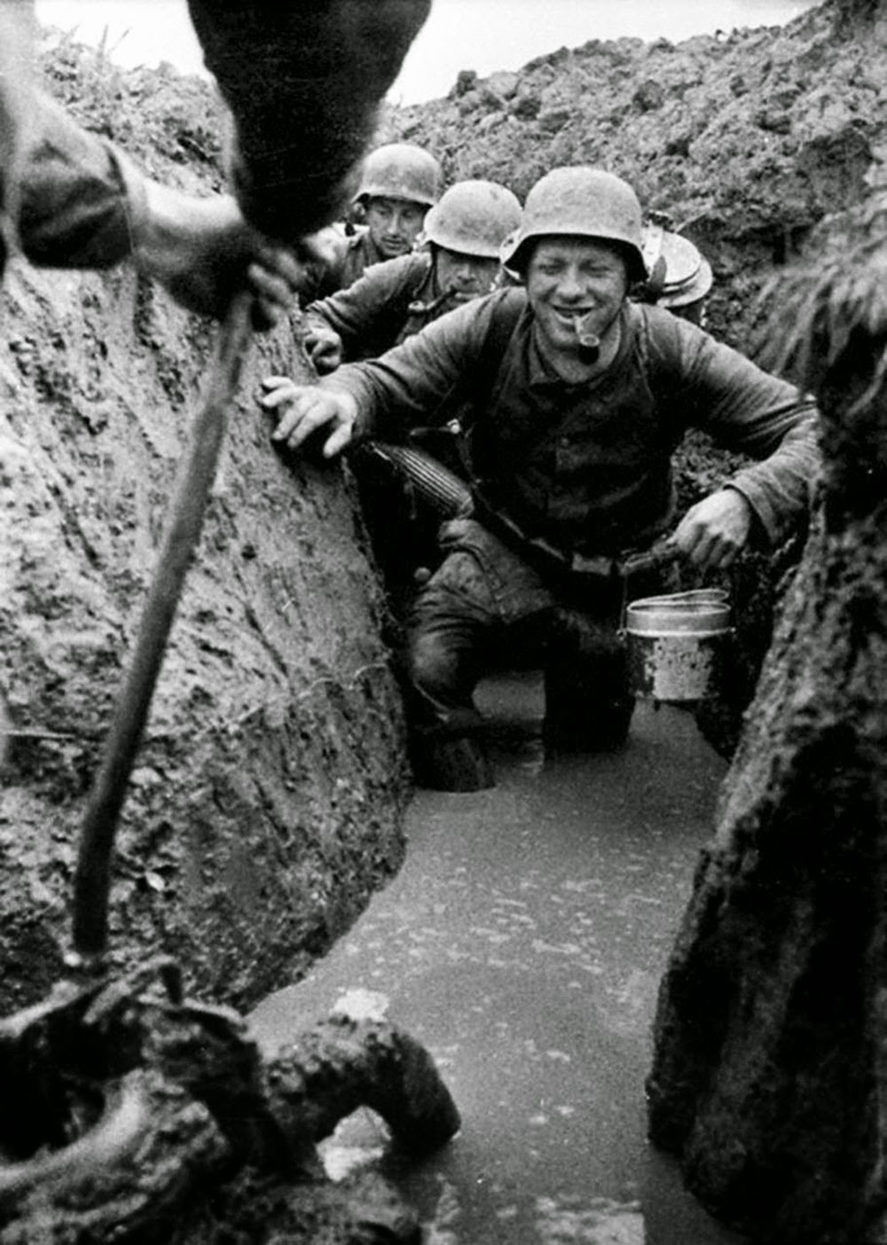 German soldiers in the flooded trenches, Soviet Union, 1943.