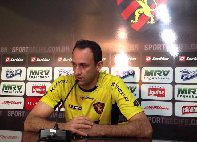 http://www.blogdofelipeandrade.com.br/2016/04/alem-de-kuki-goleiro-do-sport-magrao.html