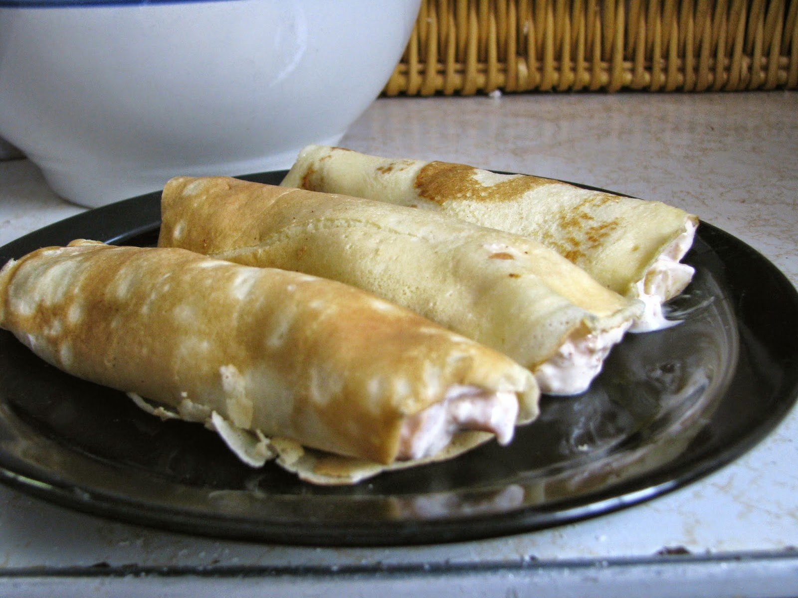 http://angelgirlpj.blogspot.com/2015/01/basic-crepe-recipe-fill-as-you-desire.html