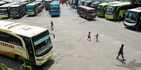 Jalur Utara-selatan Jateng Macet, Banyak Bus Tak Beroperasi