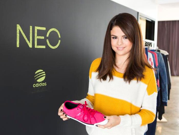 win a chance to meet selena gomez 2012 clothes