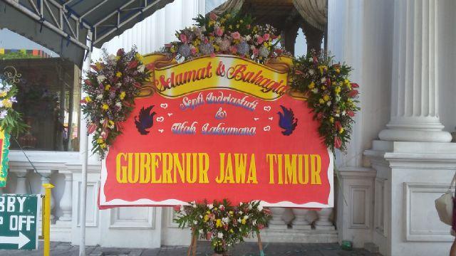 bunga papan wedding surabaya, papan bunga pernikahan surabaya, toko bunga papan surabaya