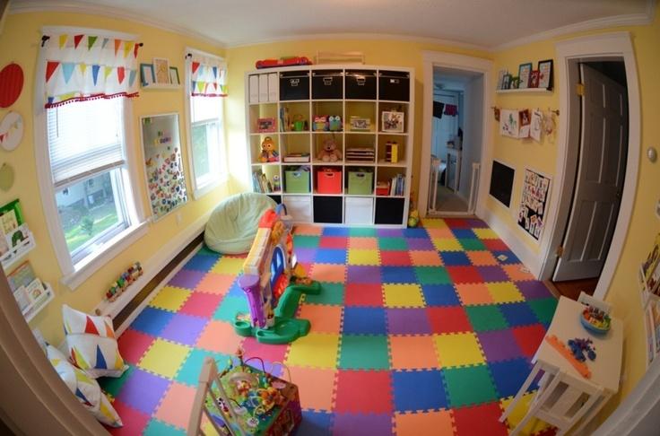 sil y a une vrit universelle cest que les enfants viennent avec beaucoup de choses les meilleures salles de jeux sont celles qui disposent dun