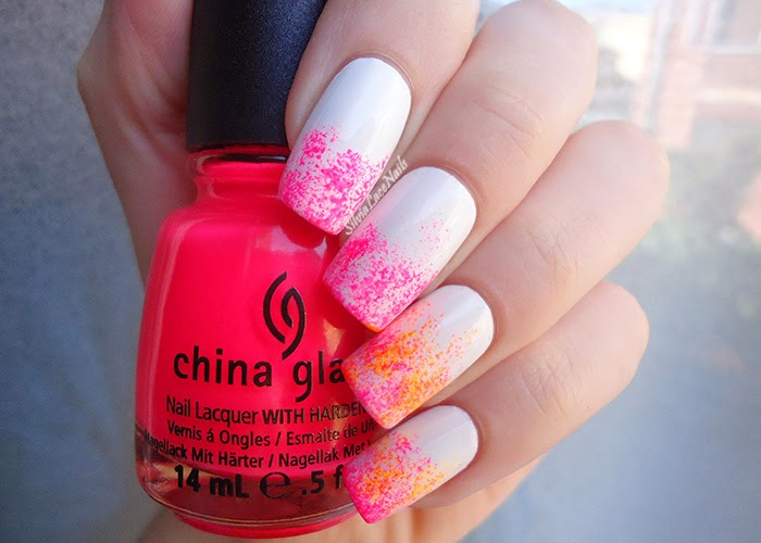 Neon sponging nail art