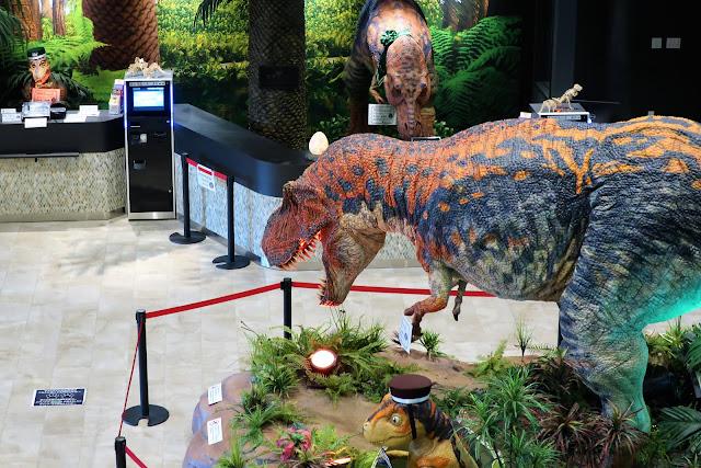 変なホテル ラグーナテンボス フロント 恐竜
