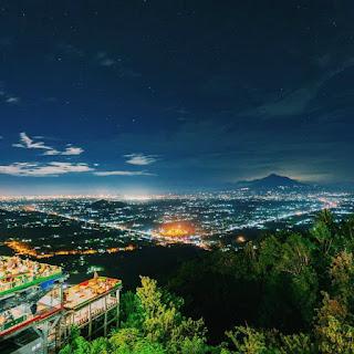Indahnya Bukit Bintang dan Wisata Malam Di Jogja Ini