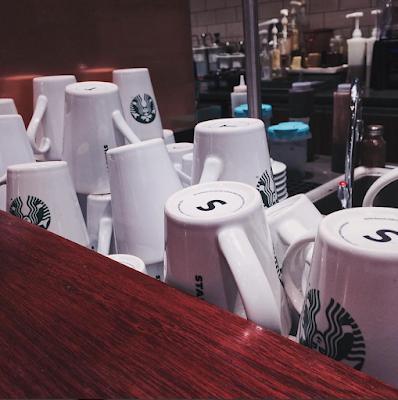 Starbucks do Shopping Metro Santa Cruz