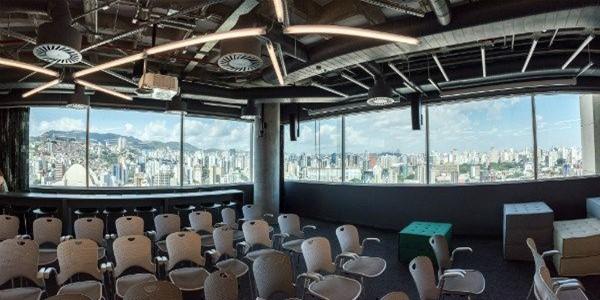Sala de conferência do novo escritório do Google no Brasil