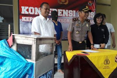 pedagang cilok ditangkap polisi