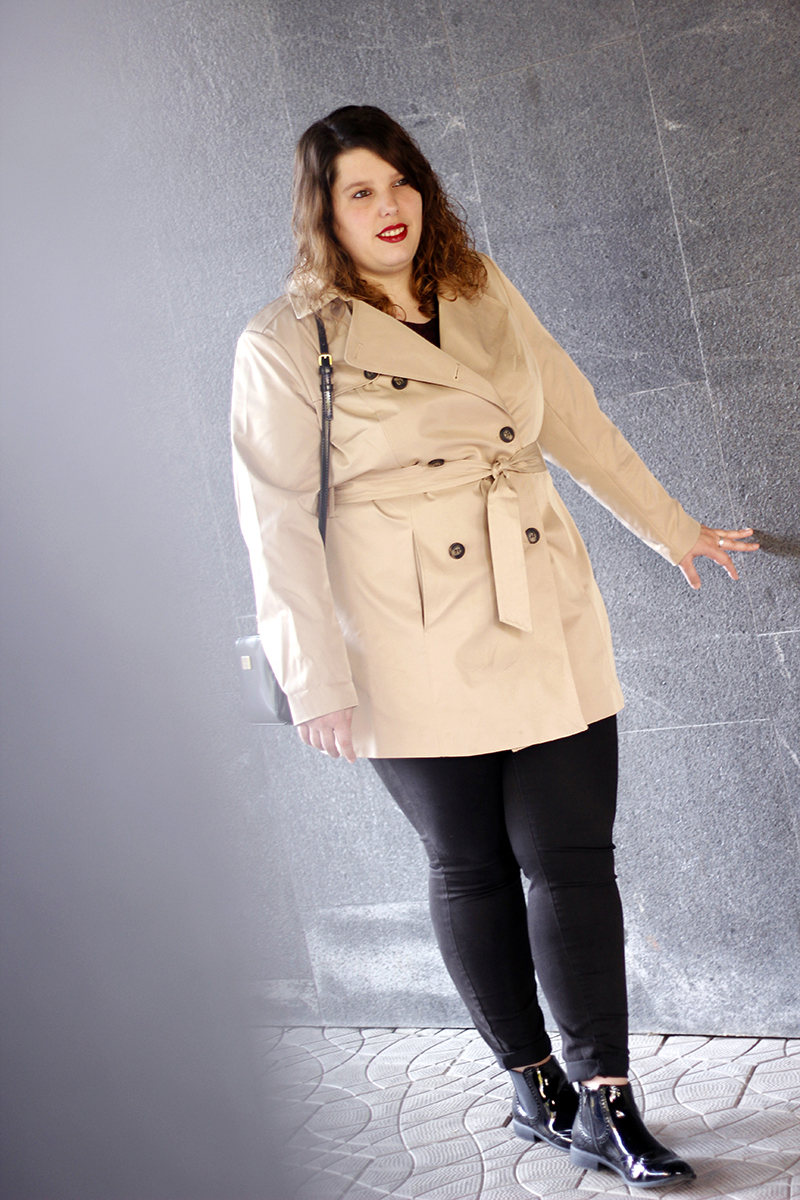Outfit basico con gabardina beige IV. Look hecho por Almudena Duran Arnaiz