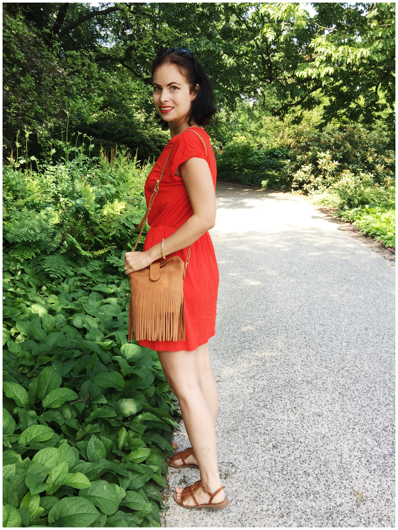 LADY IN RED | June Gold wearing red H&M dress and brown & Other Stories fringed bag