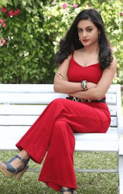 Shaily Priya Pandey Wiki,Biography, Age, Date of Birth, Boyfriend, Bio Info Jhanvi Real Name in Queens Hain Hum
