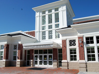 main entrance to Franklin High School