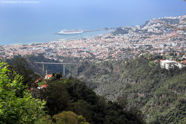FUNCHAL - VISTO DO MIRADOURO DO CURRAL DOS ROMEIROS