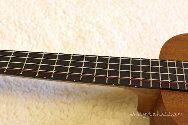Baton Rouge V2 T5 Sun Ukulele fingerboard