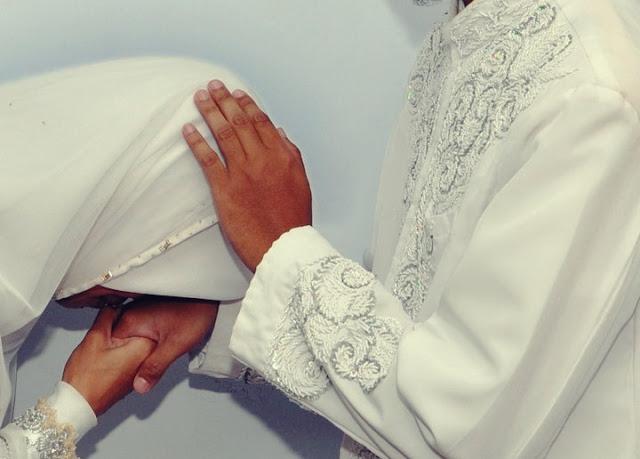 Mencari Keridhoan Suami Dengan Cara Meminta Maaf Setiap Kesalahan yang Pernah Dibuat