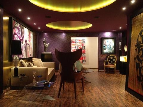 Dise os de salas moradas salas con estilo for Paredes moradas decoradas