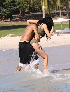 Kylie Jenner Huge Boobs Huge Ass Yet another vacation Leaked Pics in Miami with Her BF Having fun wow