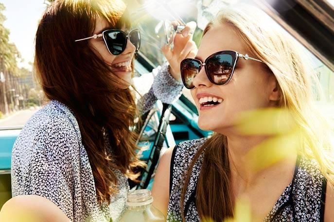 A linha de óculos solares da Michael Kors oferece pra você, varias opções  que vai fazer a sua mãe ficar apaixonada pelo presente!! 63c3a94a81