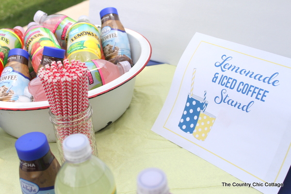 A busy mom's lemonade stand that is perfect for everyone that has no time to make a lemonade stand.  Come get your free printables and more to create a lemonade stand that will blow the competition away.  Plus you can sell iced cofee and more speciality drinks!