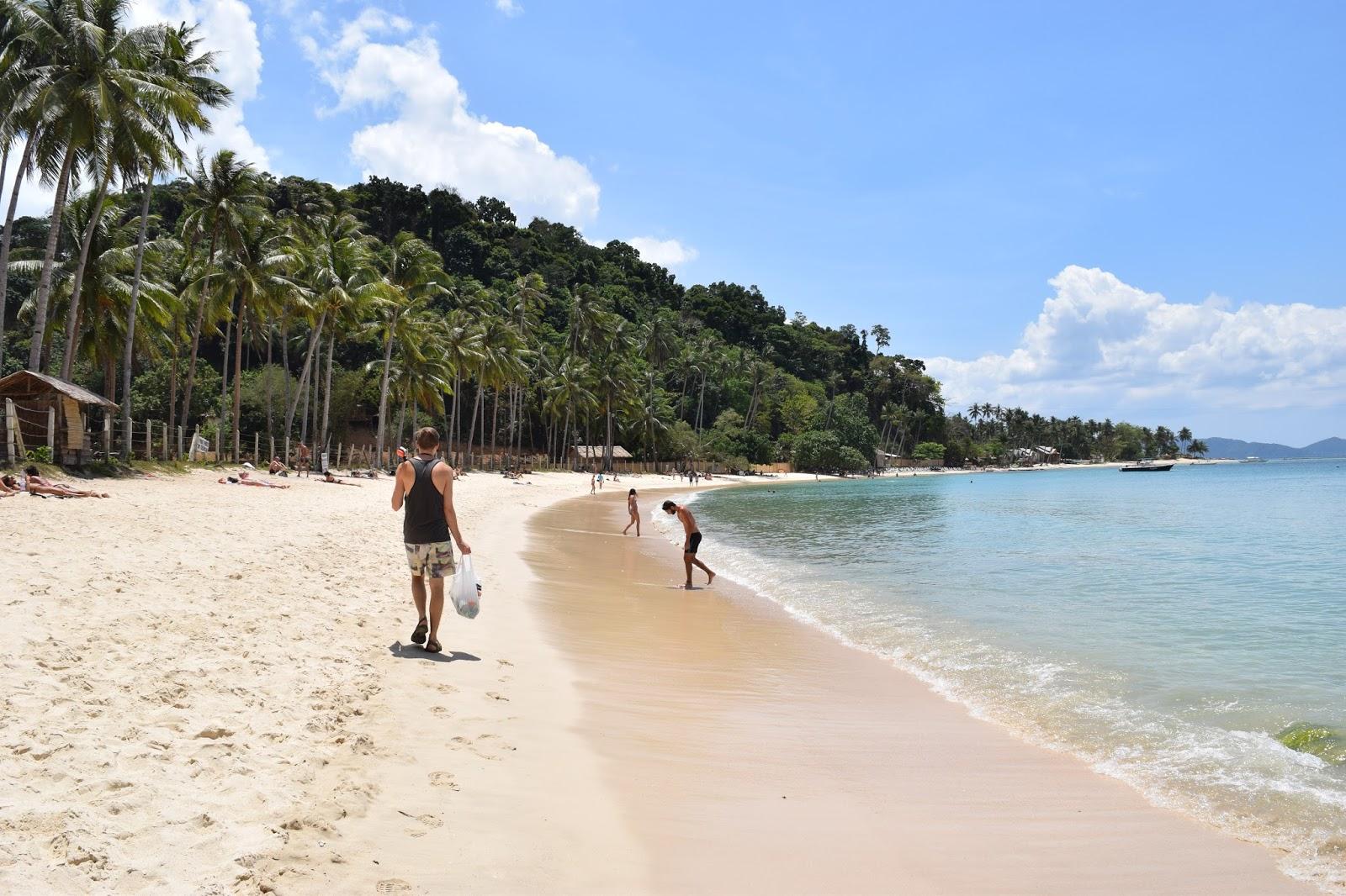 Las Cabanas Beach El Nido - A Complete Guide To Visiting