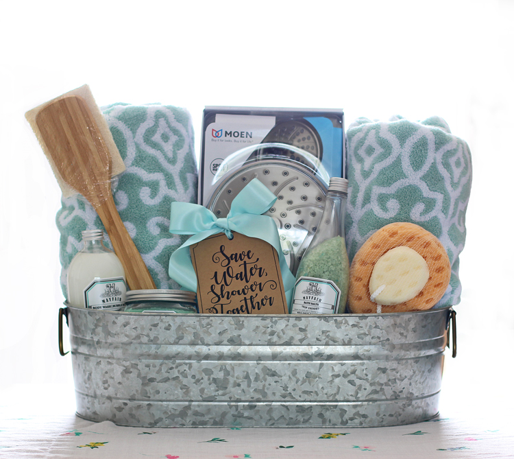 The craft patch shower themed diy wedding gift basket idea for Bathroom basket ideas for wedding