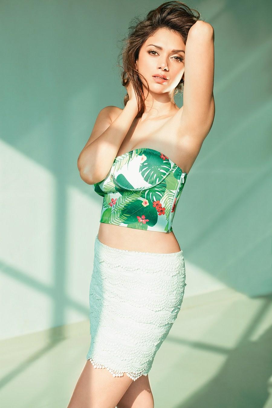 Actress Stills: White Color Modern Dress