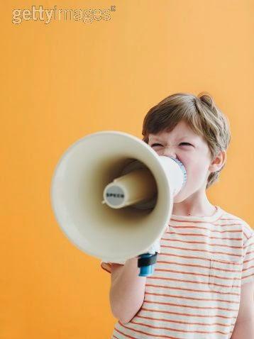 pengertian arti manfaat personal branding tujuan keuntungan digital internet online media sosial medsos artis seleriti selebgram endorser advertising periklanan promosi sukses efektif berhasil