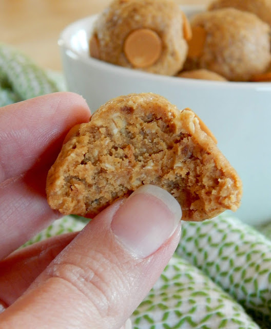 Peanut Butter Energy Balls...the perfect, quick afternoon bite to hold you off till dinner!  Just 4 ingredients: dates, oats, peanut butter & PB chips.  Great recipe for those craving sweet but trying to watch their waistline. (sweetandsavoryfood.com)