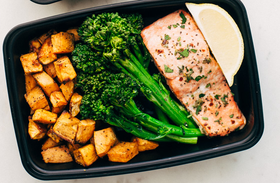 LEMON ROASTED SALMON WITH SWEET POTATOES AND BROCCOLINI #broccoli #vegetarian