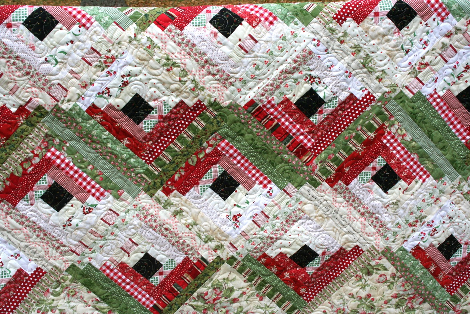 Log Cabin Christmas Quilt.Sewn With Grace Sewing Christmas