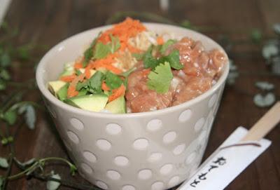 """alt=""""poke bowl de saumon"""""""