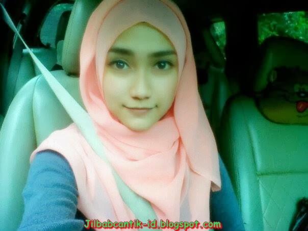 Foto Cewek Bandung Berjilbab Cantik Banget Terbaru 2014