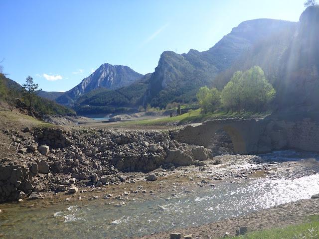 cami-aigua-pont-de-suert-font-mena-monestir-lavaix