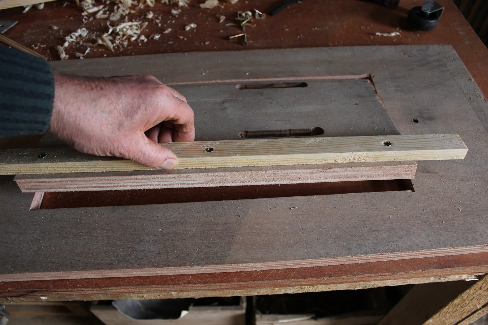 Checking guide rail alignment - crosscut saw table