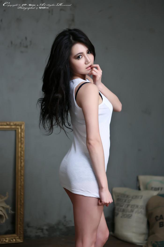 Gorgeous asian beauty queen fucks for supper - 1 part 6