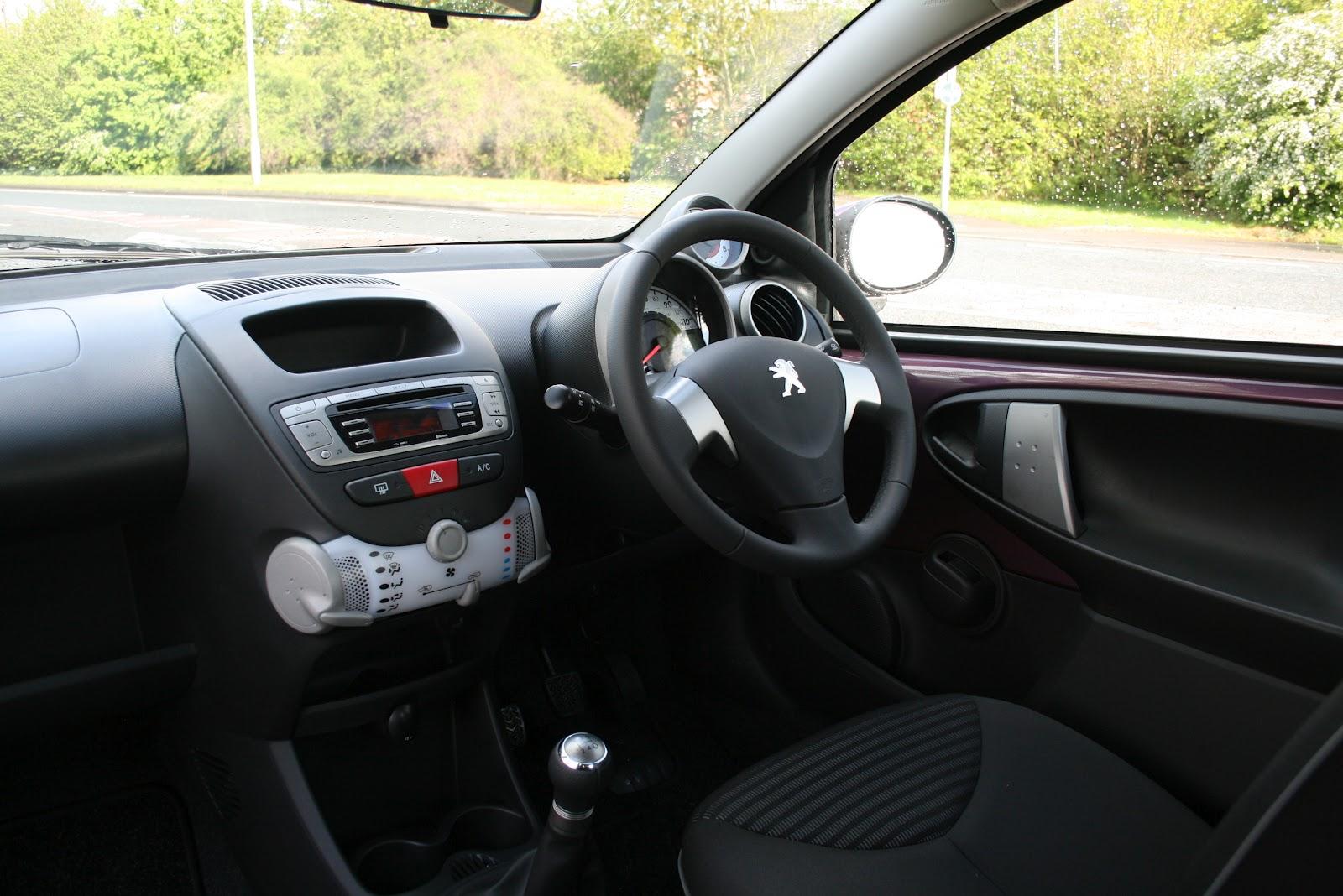 robmcsorleyoncars 2012 peugeot 107 full road test. Black Bedroom Furniture Sets. Home Design Ideas
