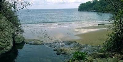 Pantai dan  Air Terjun Banyu Anjlok Malang - Jawa Timur