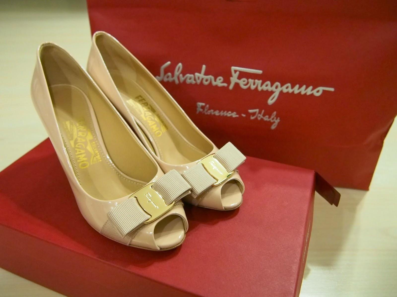 Afbeeldingsresultaat voor surprise pair of heels