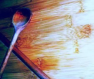 Welches Öl zur Pflege von Küchenutensilien aus Holz