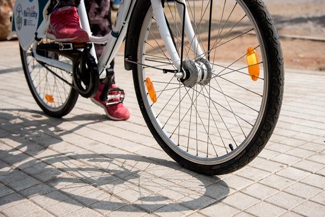 Αποτέλεσμα εικόνας για Πώς η Καρδίτσα έγινε Αμστερνταμ -Κυκλοφορούν στην πόλη 20.000 ποδήλατα